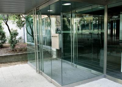 Felpudos-2E38B7A1-felpudo-de-aluminio-en-edificio-de-oficinas